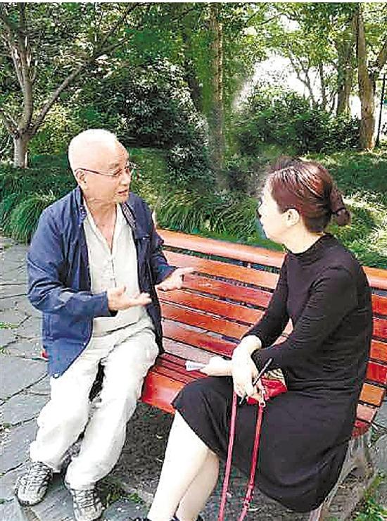 杭州怒怼游泳者的老伯找到了 一辈子围着西湖住