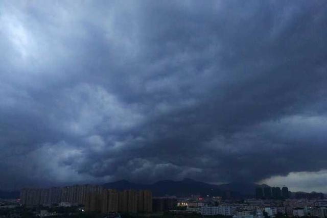 温州启动防台Ⅳ级响应 南麂岛转移游客478人