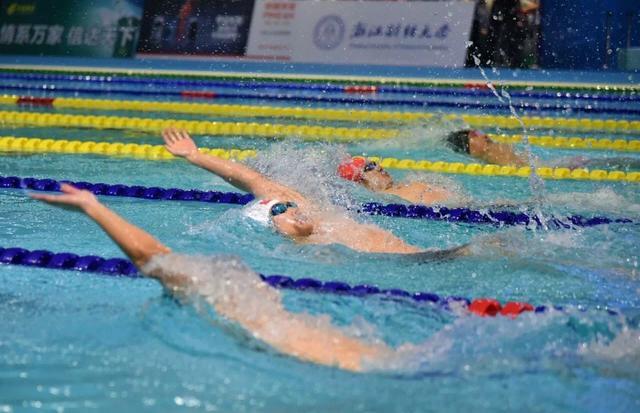 第十三届全国学生运动会游泳比赛首金产生