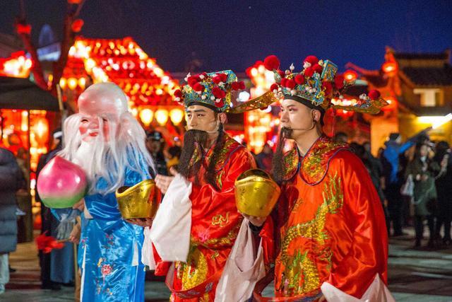 横店春节大庙会 老铁们你们过的可能是一个假年