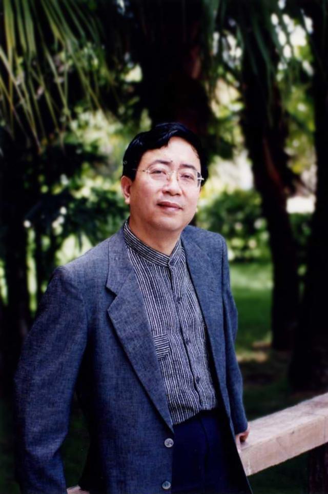余秋雨 中国著名文化学者,理论家、文化史学家、散文家