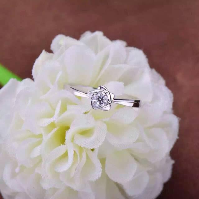 钻戒三爪镶嵌代表什么 三爪镶嵌的钻石寓意
