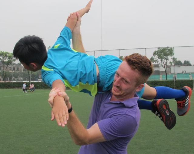 青少年足球教学专家——Felix