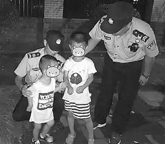 5岁哥哥凌晨牵着3岁弟弟逛马路 父母一无所知