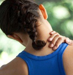 """肩膀酸痛勿轻视 肩痛就是""""肩周炎""""吗?"""