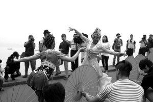 杭州西溪今天有龙舟胜会、舞蹈小品、船拳表演