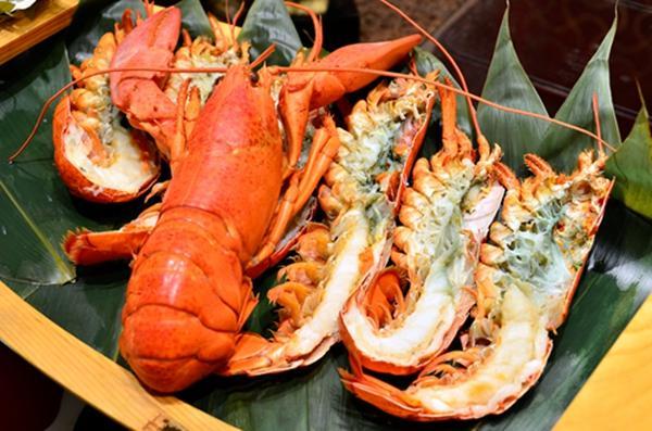 世贸君澜波士顿龙虾节 大龙虾免费吃到饱