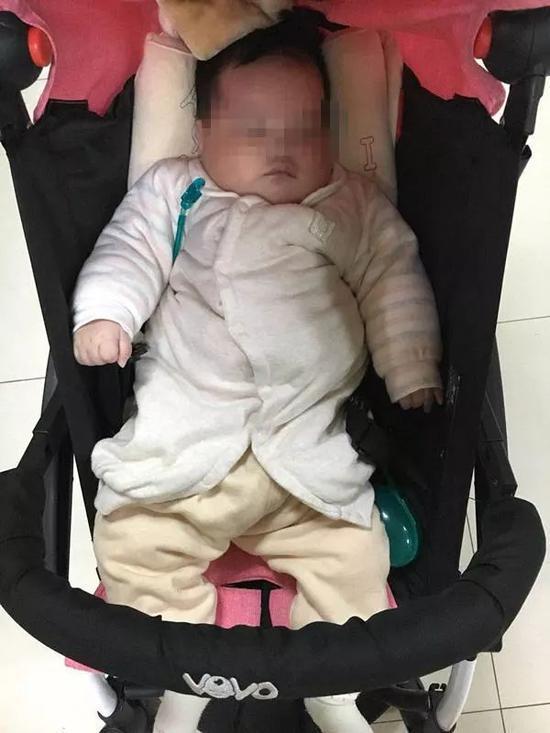患病女婴被弃公园旁边留千字信:下辈子努力赎罪