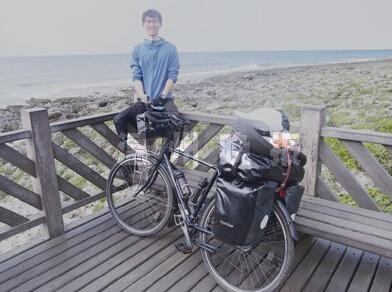 温州单腿男孩骑出励志故事 76天跨国骑行4000公里