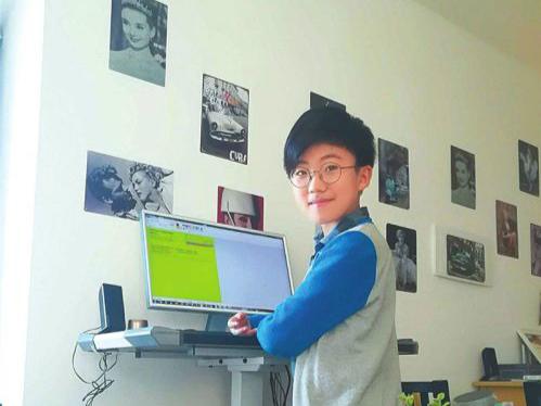 神童在家上学写英文小说 父母花几千小时研究孩子教育