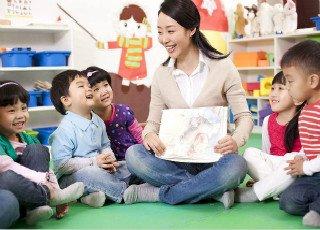 目前全国幼儿园专任教师尚缺52万人