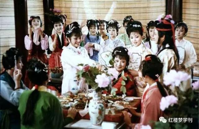 """从""""茄鲞""""谈《红楼梦》的饮食文化"""