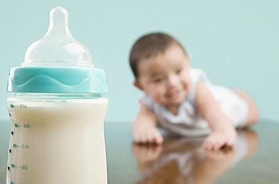 妈妈上班了 宝宝不吃奶瓶怎么破?