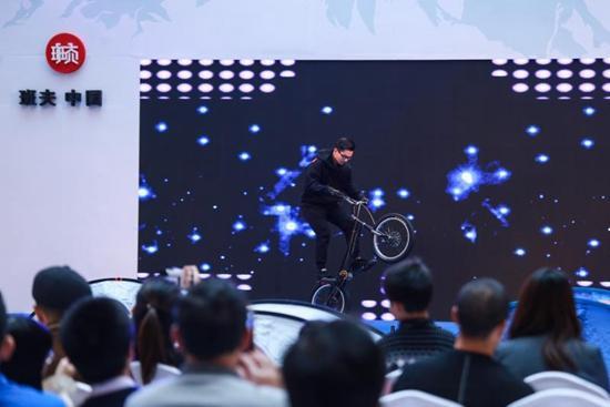 极限运动进商场 班夫中国户外嘉年华落地滨江宝龙城