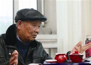 宁波84岁老人写了本回忆录