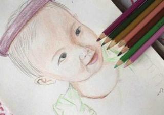 每月一张彩铅画 女民警记录女儿成长