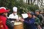 春节送出1500多块爱心年糕 西湖景美人更暖