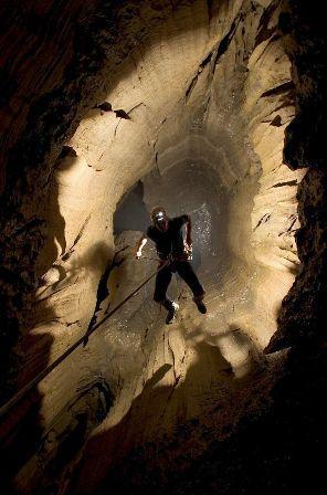 危险而刺激的洞穴探险(资料图)