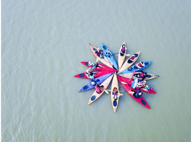 湖州籍世界冠军许亚萍率队荡桨西山漾