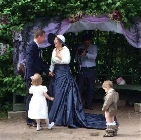 刷爆朋友圈的婚礼乌龙事件 真的是又尴尬又搞笑
