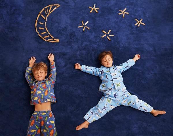 """儿童睡眠时间表被疯传 你家娃有没有睡""""对""""时间"""