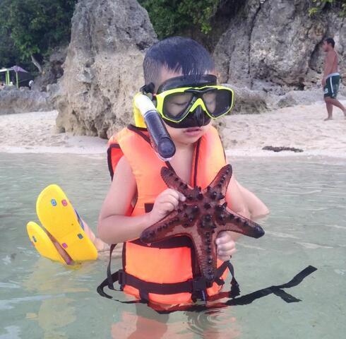 5岁开始经历欧洲自驾游 他的童年超酷的