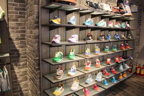 杭州一家80平方米的夫妻店 当上了外卖单王