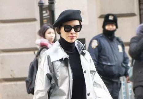 近期流行该怎么穿?看时装周街拍