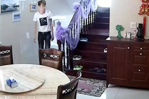 杭州一小伙到亲戚家里串门后 亲戚报了警