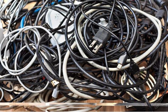 无线化这么多年 为啥到处还都是线线线?