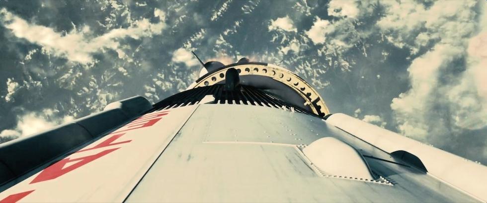蝙蝠侠前传预告片_诺兰《星际穿越》曝预告 宇宙奇观震撼人心_娱情速递_温州网