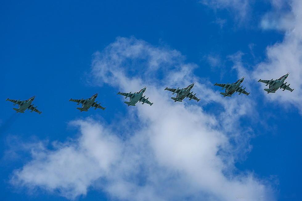 俄罗斯苏25攻击机编队