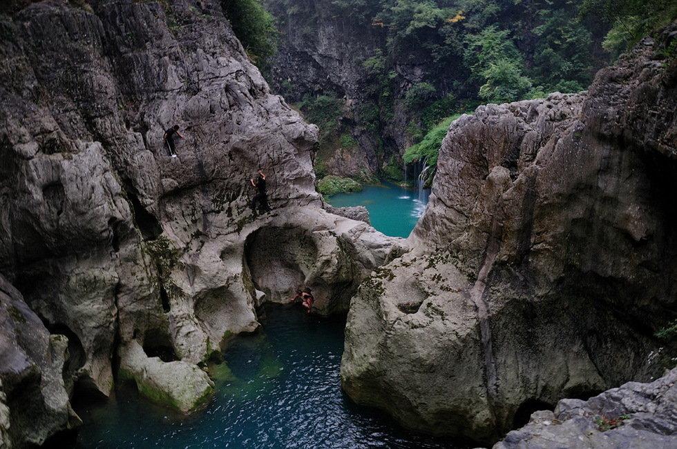 神秘的玛拉河(组2)-卢瑞生