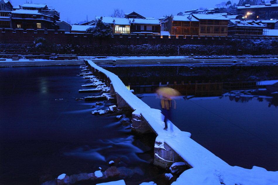 昨夜瑞雪临沱江-黄永明