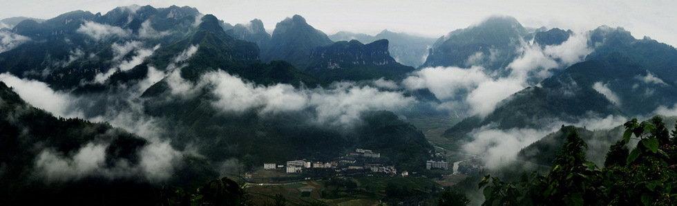 云蒸雾绕吕洞山(组3)-王维国