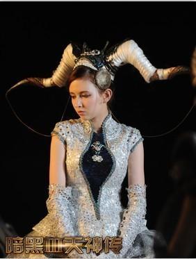 AV女优泷泽萝拉来袭 《暗黑3天神传》引爆手游新时代的照片 - 1