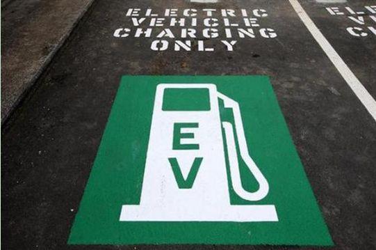 工信部:优化新能源汽车标准体系 及时更新路线图