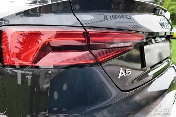 新一代�W迪A5 coupe北美亮相 更加精悍