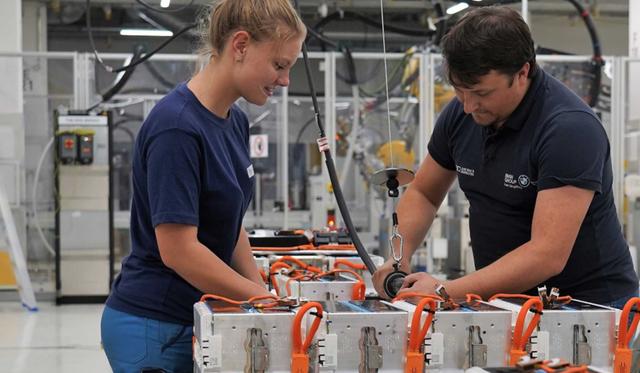 宝马欧洲最大工厂将提升电动车部件产能