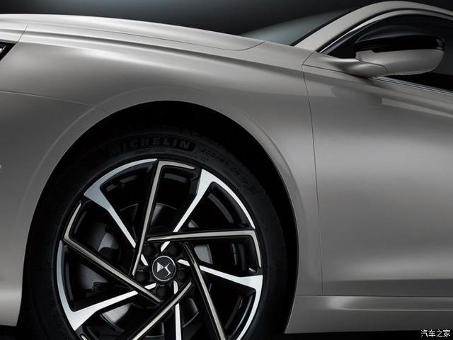 定位旗舰级更豪华 DS 9全新中型车正式首发