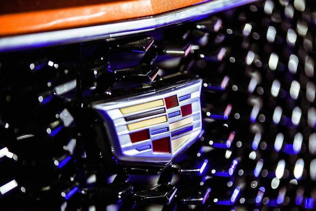 售价25.97-39.97万元  新豪华运动SUV 凯迪拉克XT4燃情上市
