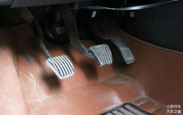 離合器和剎車一起踩會怎么樣 機修師傅說了實話