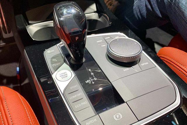 新车来了:家族特点明显 新一代宝马1系首发亮相