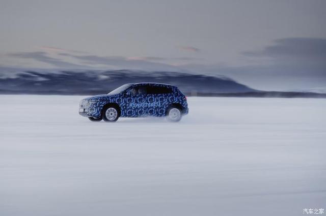 馳騁雪地 奔馳發布EQA冬季測試官方諜照