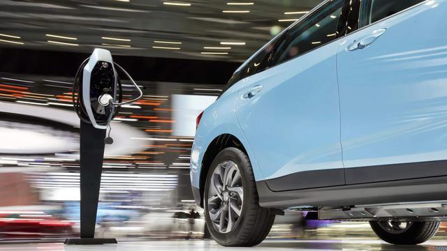 """海外电动化转型加速 新能源汽车市场化""""引擎""""动力十足"""