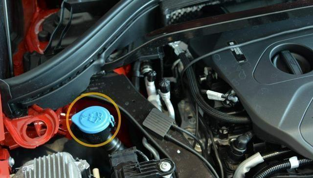 """想要更换玻璃水,需要把原先的玻璃水都放掉么?<P style=""""TEXT-INDENT: 2em"""">玻璃水是车辆上使用非常频繁的一类液体,主要的作用就是清洗"""