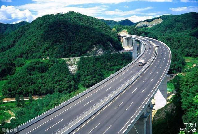 高速路上前車突然急剎車 記住這三步就可以救命
