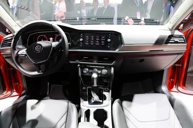 轴距加长/匹配8AT 大众全新Jetta车展亮相