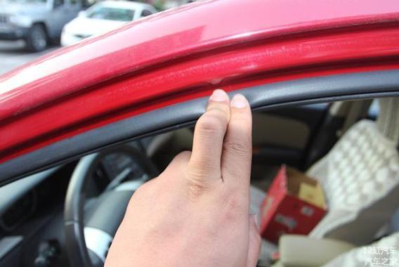 汽车被长期暴晒会有什么样的后果 车主大呼心疼