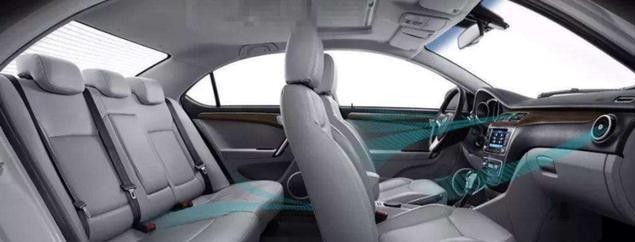 开一个车窗也这么讲究?老司机:学着点别不当回事